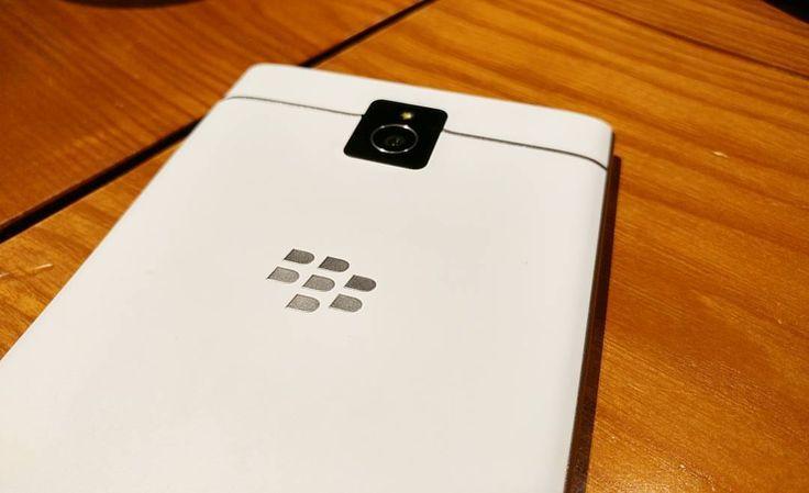 #inst10 #ReGram @kunngo071293: ' ' #blackberry #blackberrypassport  #vietnamese  #BlackBerryClubs #BlackBerryPhotos #BBer #BlackBerryPassport #Passport #QWERTY #Keyboard