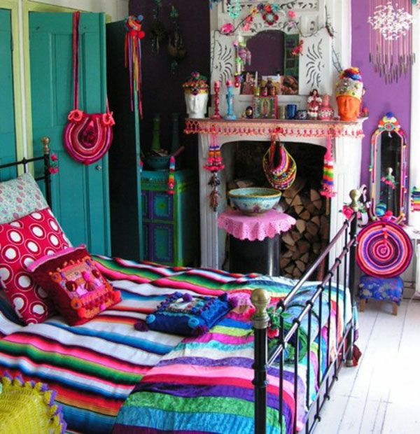 Rainbow Themed Room: Colorful Eclectic Style Bedroom Design With Rainbow Themed