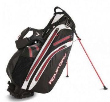"""Bolsa de palos de golf Callaway Aqua Dry con trípode. La bolsa para palos de golf Aqua Dry de Callaway es una bolsa con trípode que con una boca de acceso de 9,5"""" con sistema organizador de palos de 5 divisiones con asas de agarre integradas."""