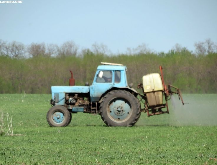 LANGEO.ORG: МТЗ-80 с навесным опрыскивателем. Belarus-80 with ...