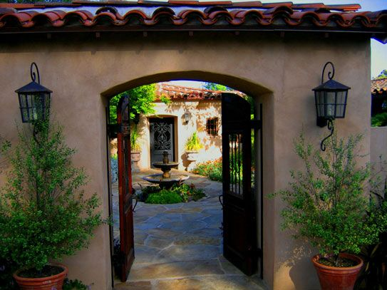Best 25 courtyard entry ideas on pinterest haciendas for Mexican ranch style homes