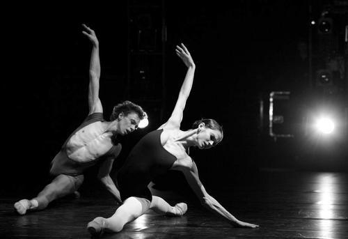 Vladimir Malakhov & Polina Semionova. look at her feet!