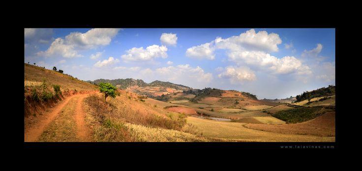 En algun lloc de Myanmar - En algún lugar de Myanmar - Somewhere of Myanmar -  - - - #wowplanet #placeswow #moodygrams #discoverglobe #PlacesEarth #earthfever #earthofficial #awesomedreamplaces #awesomeglobe #ig_ati #exceptional_pictures #travelgram #mytravelgram #instatraveling #travel #viaje #natgeoyourshot #somewheremagazine #myfeatureshoot #thephotosociety  #myanmar #buddha #budism #asian #asia #instatravel #traveler #travelgram #oneyeartrip #lensculture