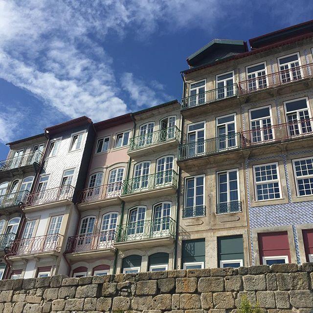 #porto🇵🇹 #portugal  #livinginporto #ribeiradouro #comomudarteaportugal…