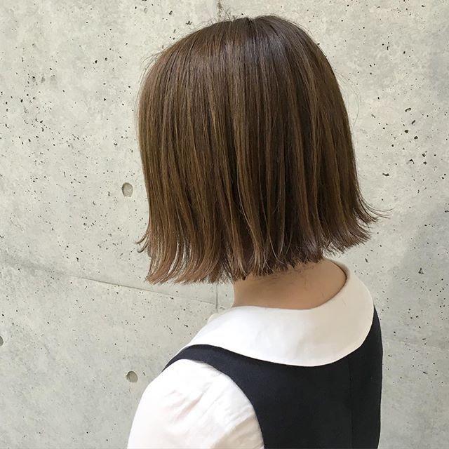 マットグレージュカラー★ ・ ・ *赤みをしっかりと抑えたい方 *透明感カラーにしたい方 ・ ・ ケアカラーで仕上げているので、ダメージも少なく透明感たっぷりに仕上がります!! ・ ・ カジュアルファッションに合うヘアスタイルを提案しているので、是非、試しに来てくださいね☺︎ ・ ・ カット ¥7,200 カットケアカラー ¥15,400 ・ ・ #shima_tanebe #shima #shimakichijoji #hair #hyke #highright #bob #beautifulpeople #apc #ash #acnestudios #cut #color #carecolor #髪型#ヘアカット#ヘアスタイル#ボブ#ボブヘア#カット#ヘアカラー#グレージュ#マットグレージュ#吉祥寺#美容室