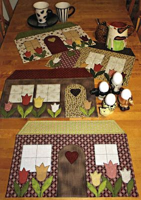 Quilted tablemats - houses;;a little smaller; would be cute mug rugs