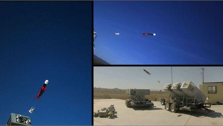 Со звуком, напоминающим открытие бутылки газировки, военные дроны покидают пусковую установку - один беспилотник в секунду, пока весь рой не окажется в воздухе. Так Управление военно-морских исследований США видит будущее войны.