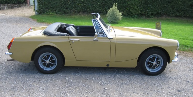 1972 MG Midget Convertible. Harvest Gold. M MG Midget