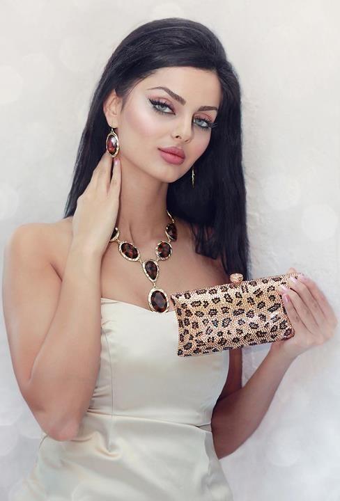 persian-models-girls-nude-having-sex-free-hairy-butt-ass-panties
