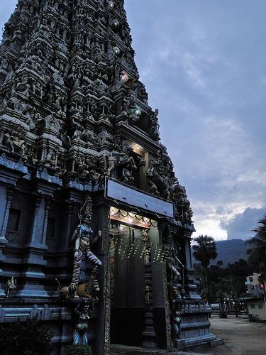 Hindu Portal, Matale, Sri Lanka (www.secretlanka.com)