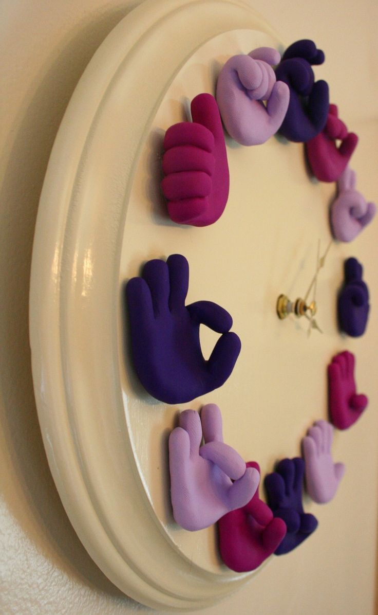 American Sign Language Clock -  Etsy. Very cute!