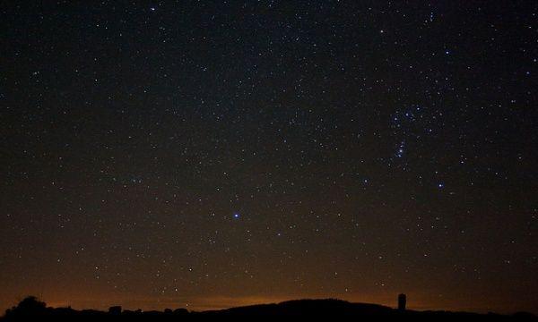 オリオン座流星群が今夜見頃に 観測のポイントは? - 女子旅プレス