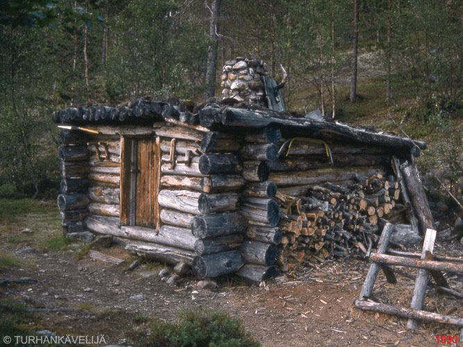 Sompio cabin not so typical structure plain and simple for Small survival cabin
