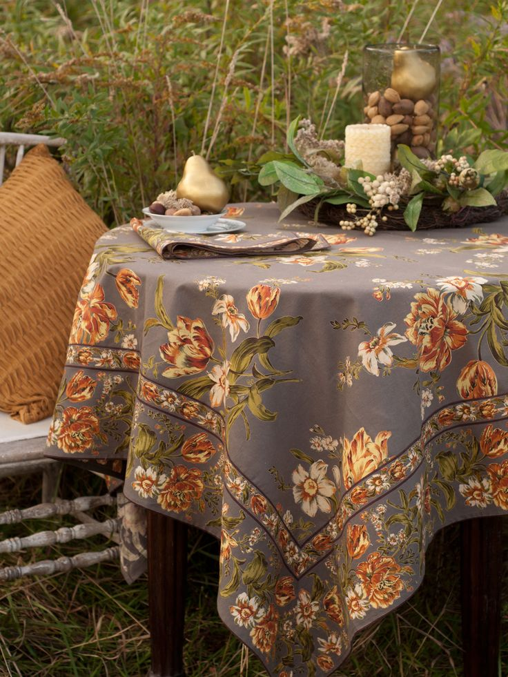 Marvelous April Cornell Motheru0027s Garden Charcoal Square Breakfast Tablecloth And Four  Napkins April Cornell