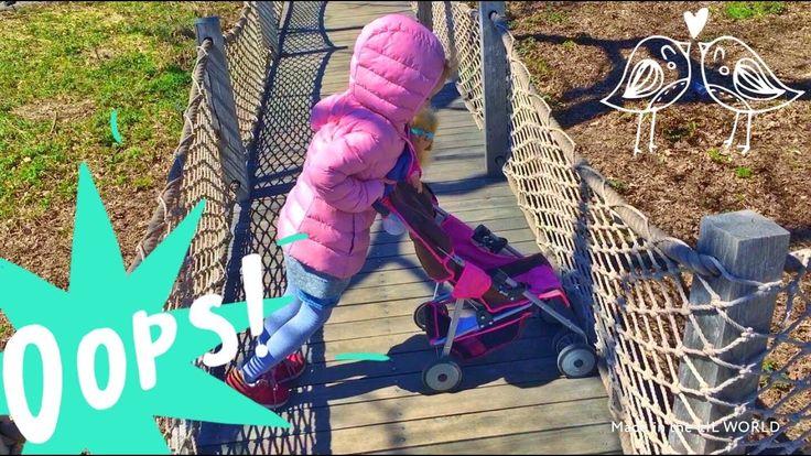 Гуляем с куклой  на коляске в парке Нью Йорк Walk with a doll in  in the...