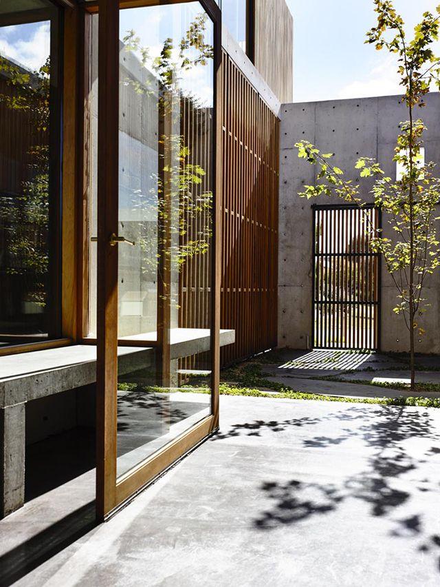 Torquay Concrete House by Auhaus Architecture