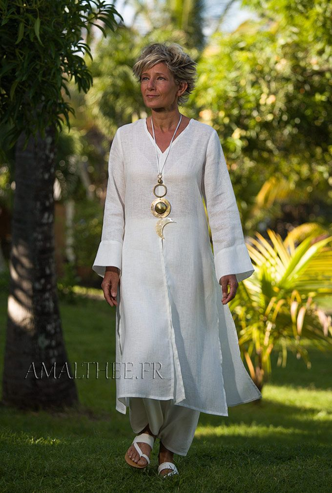Side-slit white linen Tunic with long sleeves -:- AMALTHEE -:- n° 3449