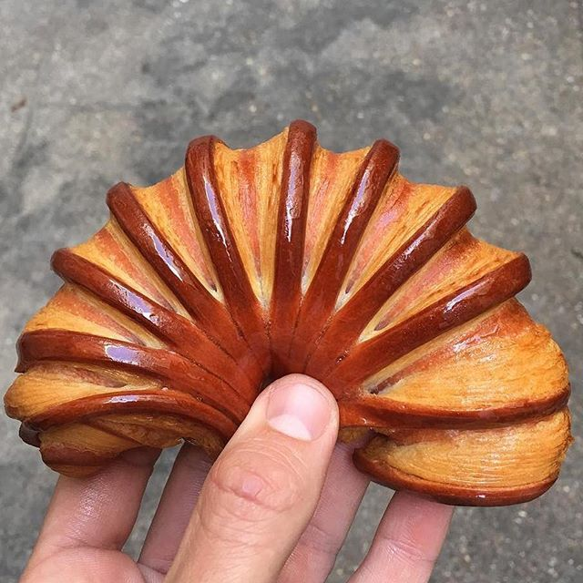 Croissant Accordéon by chef @johanmartinofficial  #pastrychef #patisserie #pastrylove #pastrylife #yummy #instagood #insta #instafood #amazing #follower #fan #tutorial #baking #paris #pic #foodgasm #partage #chocolate #chocolates #delicious #picture #delights #desserts #yummyyummy #food #pastryvideos #pastrychef #patisserie #pastrylove #pastrylife #yummy #instagood #insta #instafood #amazing #follower #fan #tutorial #baking #paris #pic #foodgasm #partage #chocolate #chocolates #delicious…