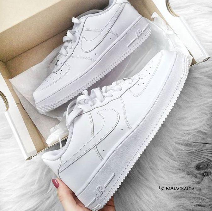 Białe buty. Białe nike airforce. White nikeairforce. #nike