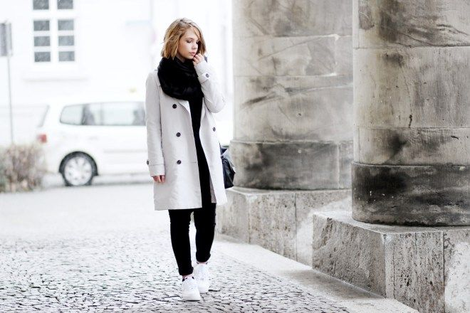 nike air force 1, white sneaker, outfit, winter outfit, streetstyle, casual, grey trenchcoat, minimal