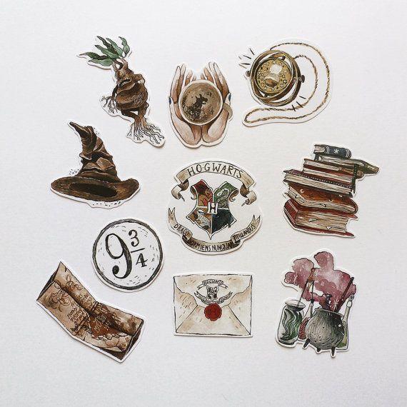 ✴Dieses Pack enthält 10 handgefertigte Aufkleber, inspiriert von ϟ Hogwarts School of Wit …  #aufkleber #dieses #enthalt #handgefertigte