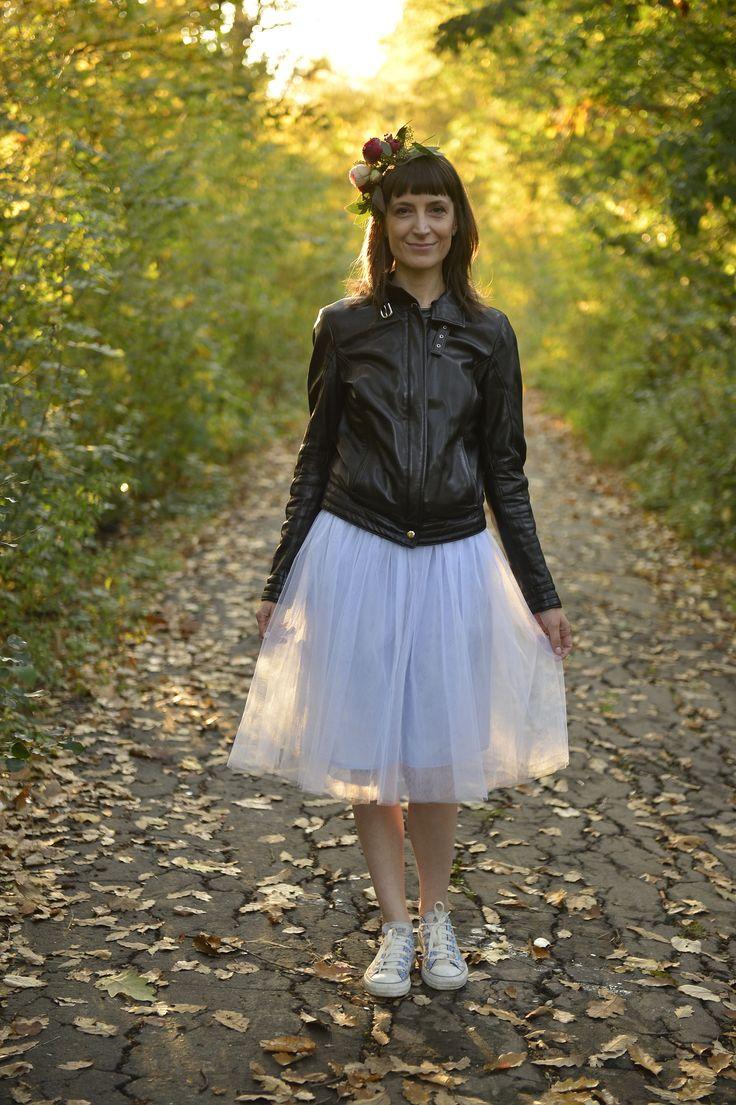 Blue tulle skirt short autumn flower crown flower bouquet