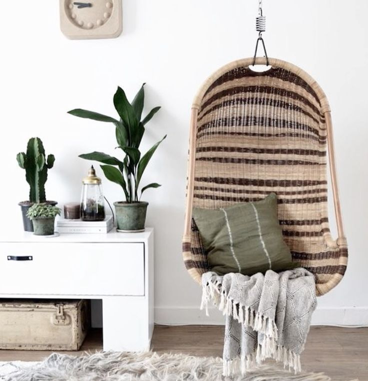 Think a little bit of Hollywood boho in the form of a swinging chair would be fab