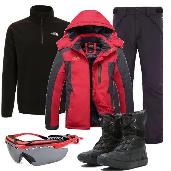 Abbigliamento da neve, adatto sia per lo sci che per lo snowboard: giacca con cappuccio, nera e rossa, pantaloni neri, impermeabili e traspiranti, felpa di pile nera, con zip, doposci neri, in tessuto ed ecopelle e occhiali tecnici, con lenti da sci.