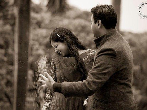 Lovely black and white pre wedding shoot