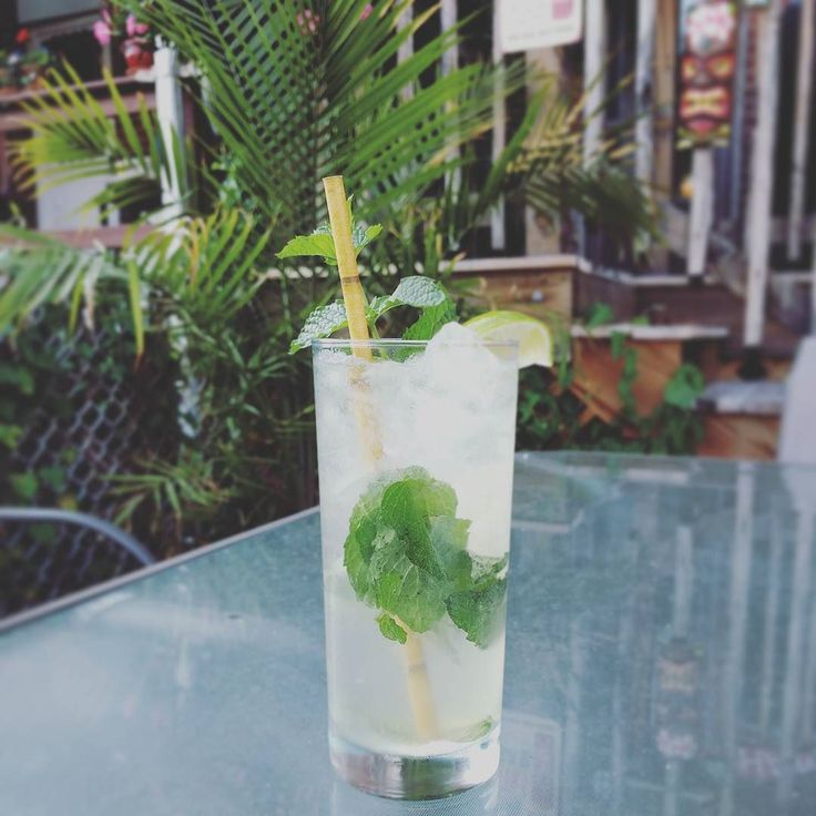 Midweek mojito; perfect for when it's this hot. #mojito #rum #rumclub #mint #cocktail #homebar #homebartender #summerdrink #summercocktails