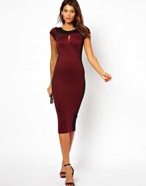 Платье-футляр с контрастной вставкой TFNC | SweetList.ru