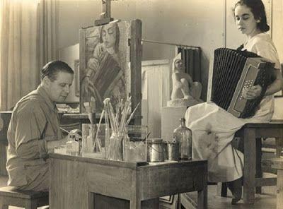 Lasar Segall (Vilna, Lituânia, 21 de Julho de 1889 - São Paulo, Brasil, 2 de Agosto de 1957) foi um pintor, escultor, gravador e desenhista. Iniciou seus estudos em Vilna, capital da Lituânia, que na época estava sob o domínio da Rússia czarista. Seu pai era escriba da Torá, lei judaica contida nos cinco primeiros livros do Antigo Testamento, cujo texto, manuscrito em pergaminho, é utilizado em cerimônias religiosas nas sinagogas. Estudou depois em Berlim e Dresden, onde ampliou seu contato…