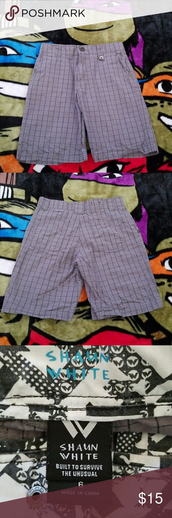 Boys size 6 grey & black grid Shaun White shorts Boys Size 6 Shaun White grey with black grid line design shorts with adjustable waistband and snap button closure. Comfortable and lightweight. 100% cotton. Gently used but in excellent condition. Shaun White Bottoms Shorts