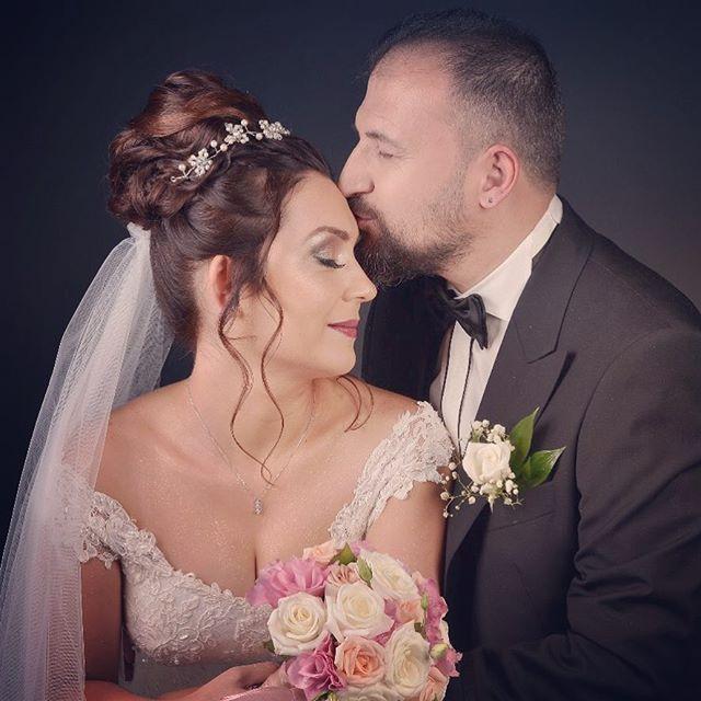 """""""#özgürfograff#aşk#düğün#düğünfotoğrafcısı#düğünhikayemiz#evlilik#gelindamat#hikayefotoğrafçısı#dışmekançekimi#düğünümüzvar#düğünfotoğrafları#gelinçiçeği#gelinmodelleri#damatlar#gelinler#düğünhazırlıkları#gelin#damat#gelinlik#düğünorganizasyonu#eskişehir#stüdyodüğünfotoğrafı#eskişehirdüğünfotoğrafçısı#weddings#weddingday #weddingphotography#weddingstory#weddingphotograper#lowe#brideparty"""" by @ozgurfotograff. #eventplanner #weddingdesign #невеста #brides #свадьба #junebugweddings…"""