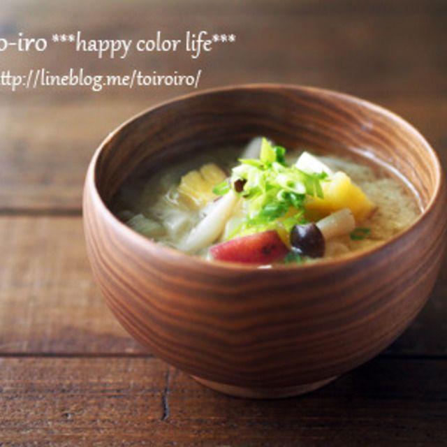 レンジふかし芋で時短調理★サツマイモとしめじのお味噌汁| toiroiro