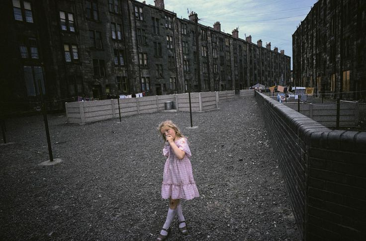 Raymond Depardon, Glasgow, Ecosse, 1980. 34 x 51 cm © Raymond Depardon / Magnum…