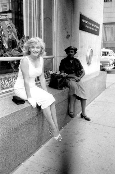 NYC. Marilyn Monroe in Manhattan in june 12, 1957 // by Sam Shaw www.MadamPaloozaEmporium.com www.facebook.com/MadamPalooza