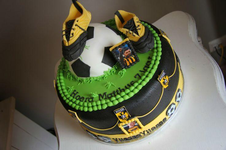 lekker zoet: Vitesse taart voor Matthijs 7 jaar...