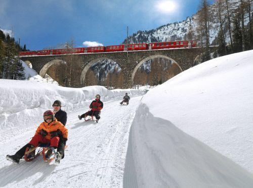 Представьте себе страну, где общественный транспорт не только позволяет расслабиться, но и восхищает? Swiss Travel System