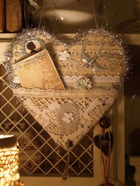 Vintage tinsel friendship heart made for a friend...This is so lovely & I so love vintage tinsel