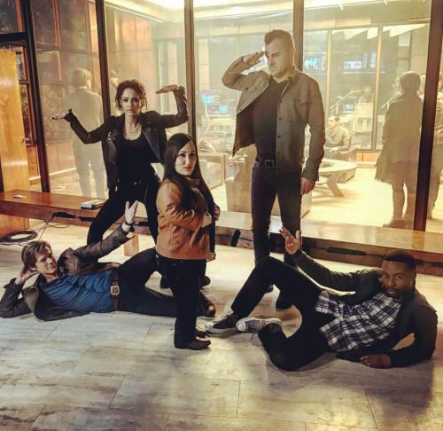 Lucas Till, George Eads, Justin Hires, Tristin Mays and Meredith Eaton MacGyver cast pic