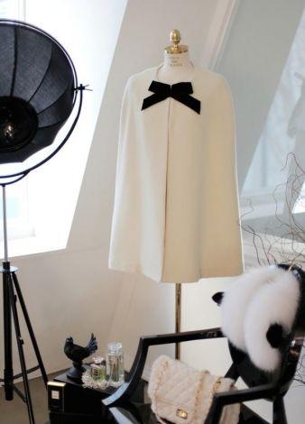 Cape capeline en pure cachemire blanc avec noeud en velours / Blanc, blanc cassé, écru / 36 (S, T1) FR / Cachemire