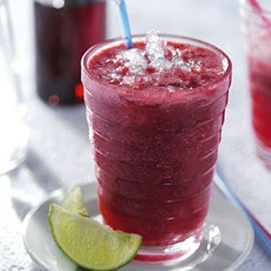 Red Fruit Smoothie  Ingredients  1 handful strawberries 1 handful raspberries 1 handful blackberries 1 handful blueberries 1 tablespoon of raspberry syrup 1 tablespoon of lime juice 200 ml sparkling soda water 4-6 ice cubes
