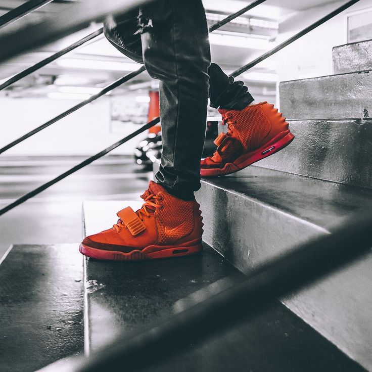 "Nike Air YEEZY 2 NRG ""Red October"""