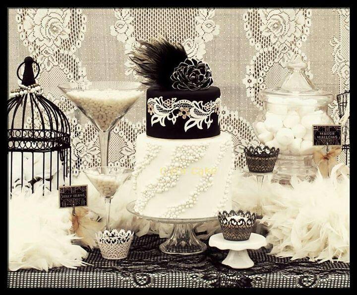 Gatsby Cake Table