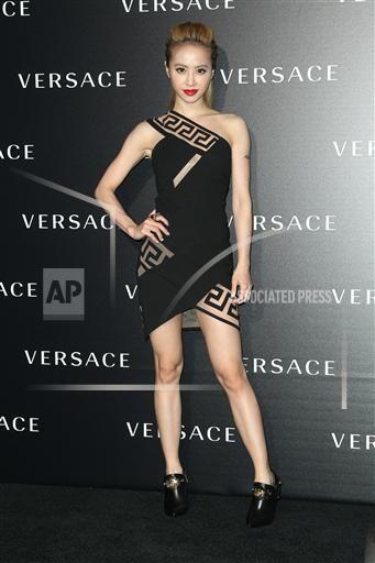 Taiwanese singer Jolin Tsai poses at a Versace fashion event in Hong Kong, China, 17 October 2014.(Imaginechina via AP Images)