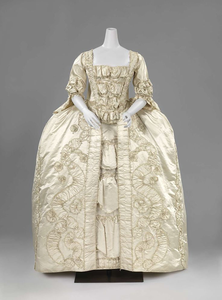 Robe à la française, c. 1760-1765. Cream silk satin, self-fabric trim, linen lining.