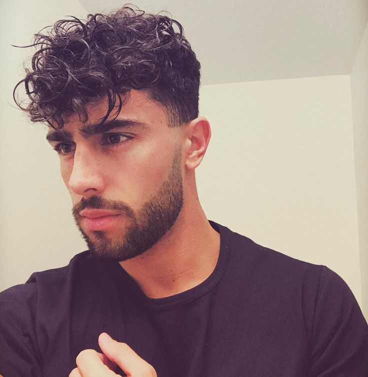 man hair style pic 17 best ideas about curly hair guys on 8834 | 0f4d24f34589c7e14782b8b443c83500