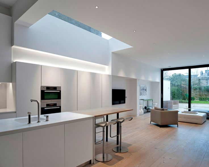 House in Homefield Road by Alex Findlater