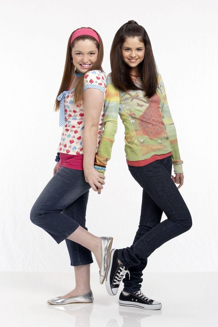 selena gomez and jennifer stone | Selena Gomez and Jennifer Stone! - Celebs Photo (6285687) - Fanpop ...